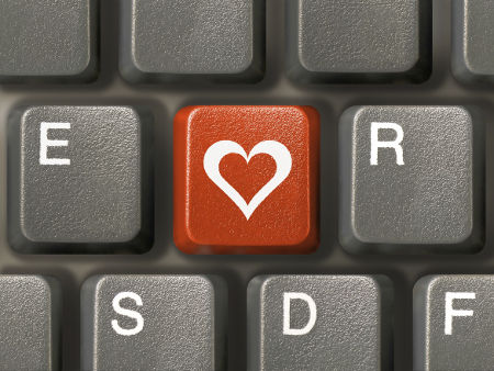 Find out how to use social media to get back with your ex!