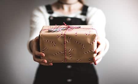 giving a gift to an ex